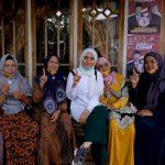 Ratu Muawaroh Calon Wakil Gubernur bersama warga Tanjungjabung Barat